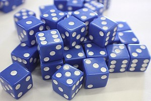 DICE - 16MM - BLUE/WHITE PIPS