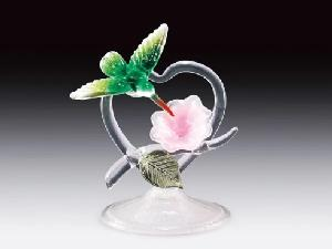 GLASS FIGURE-HUMMER/HEART/GRN