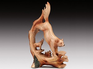 WOOD LIKE CARVING WOLF
