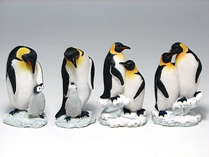 MINIATURES-12 ASST- PENGUIN FAMILY